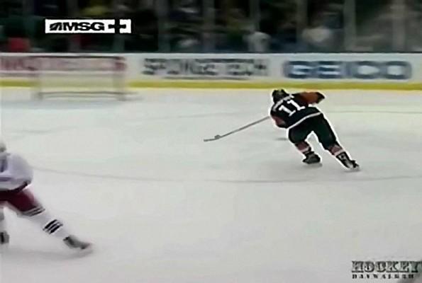 Islanders Nate Thompson Whiffs on Empty Net