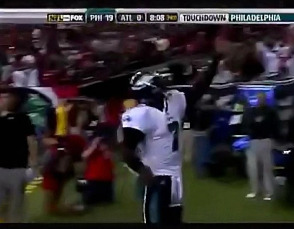 Vick Scores TD Against Former Team