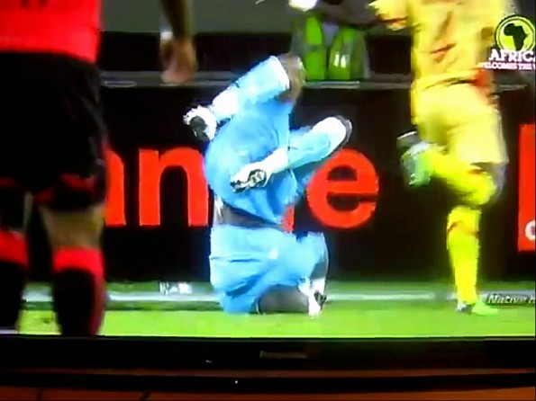Soccer Goalie Falls on Head During Routine Play