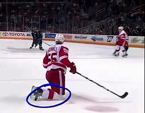 Niklas Kronwall's Hilarious Skate Break Incident