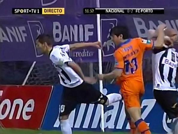 Nuno Pinto Delivers A No-Look Crotch Kick