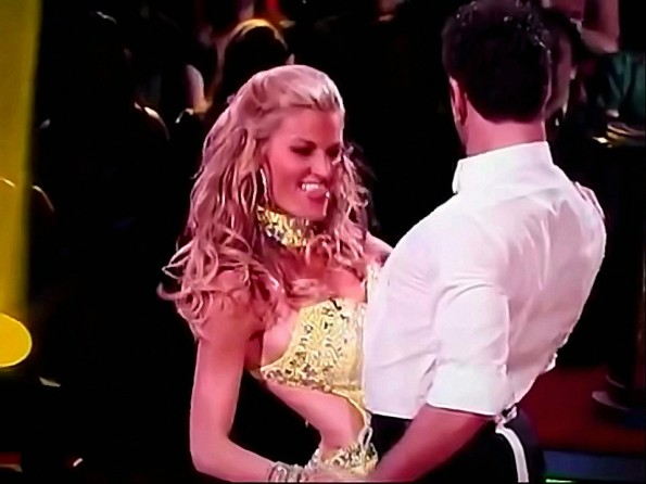 Erin Andrews' Shows Off Her Naughty Moves On DWTS