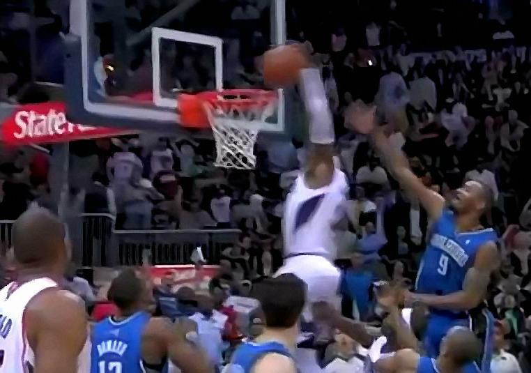 Hawks' Josh Smith Hits A Buzzer Beating Dunk