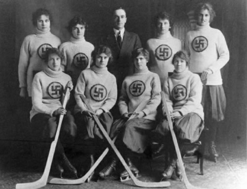 The Swastikas, a Canadian hockey team (1916)
