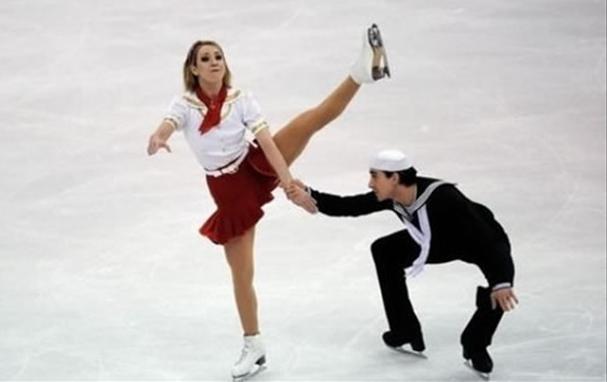 Ice skating upskirt photos