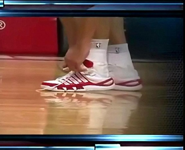 Dan Gadzuric's 20 Second Shoe Tying Problem