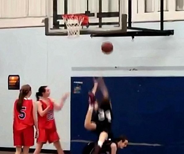 Girls Epic Dunk Fail