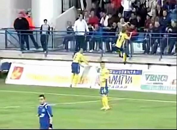 Goal celebration fail_20100420121217