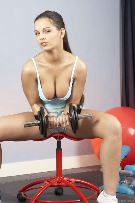 totalprosports wp content uploads 2010 04 Hot Gym Girls 24