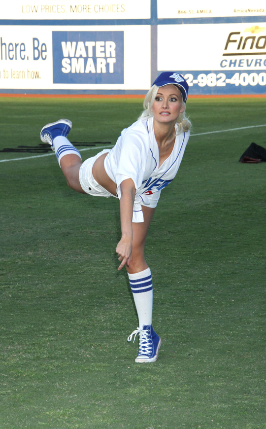 http://www.totalprosports.com/wp-content/uploads/2010/04/Opening-Pitches-Don't-Get-Sexier-Than-This.jpg