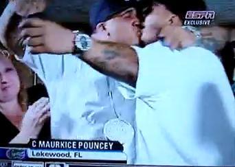 pouncey kiss
