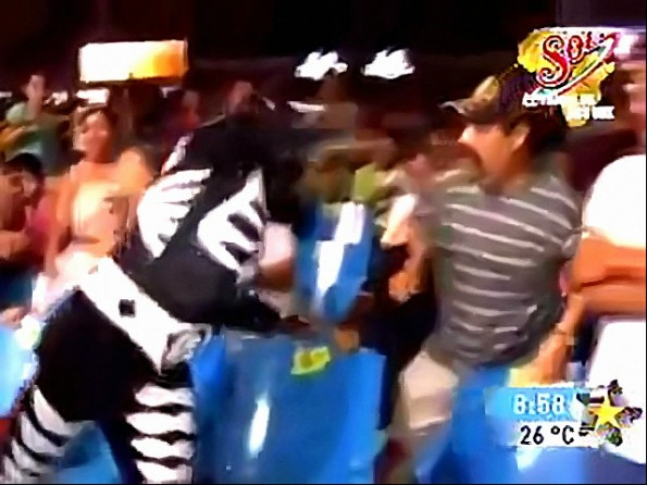 Mexican Wrestler Punches Grabby Fan