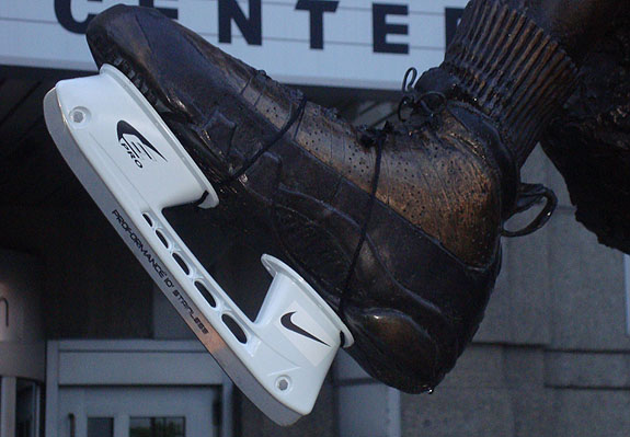 Michael Jordan Statue Now Has Nike Skates
