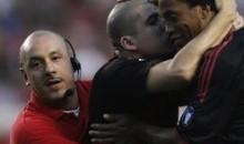 Ronaldinho Befriends Soccer Invader (Video)