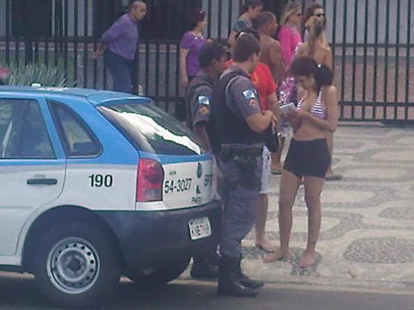 Larissa Riquelme Robbed