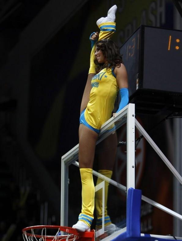 A Flexible Cheerleader To Brighten Your Day