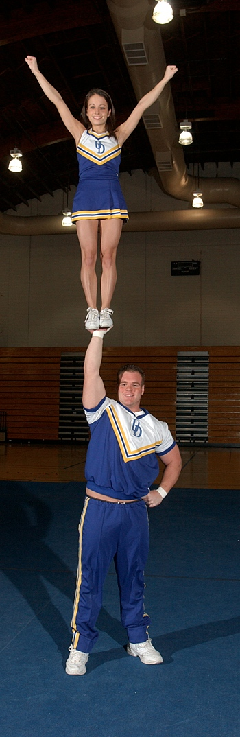 Cheerleaders13lg