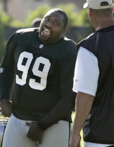 warren-sapp-adjusting-cup
