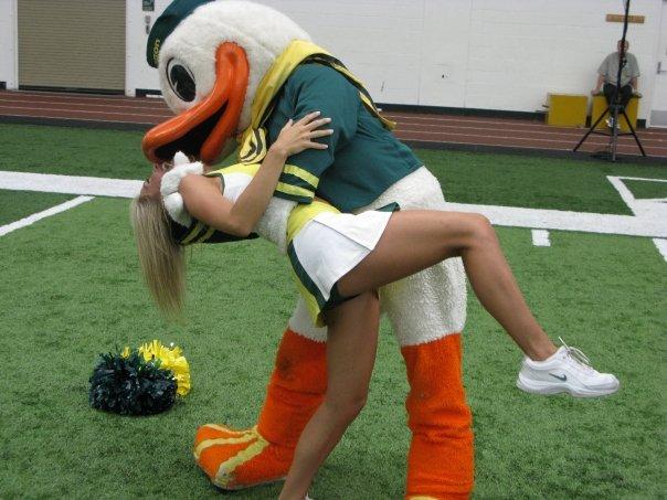 oregon cheerleader and duckie