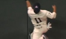 Twins Center Fielder Ben Revere Makes Incredible Over The Shoulder Catch By (Video)