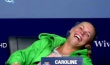 "Caroline Wozniacki Give Us Her Best ""Rafael Nadal Cramping Up During A Press Conference"" Impression (Video)"