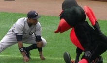 Orioles Mascot Stretches And Has A Word With Curtis Granderson (Video)