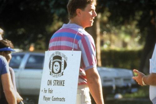 1987 nfl players strike picketing