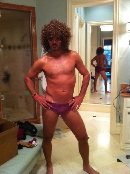 Mike Modano as 1980s porn star