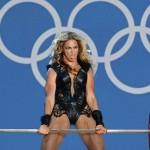 Beyonce weird face at super bowl