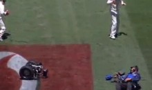 Cricket Cameraman On Segway Faceplants Onto Field (Video)