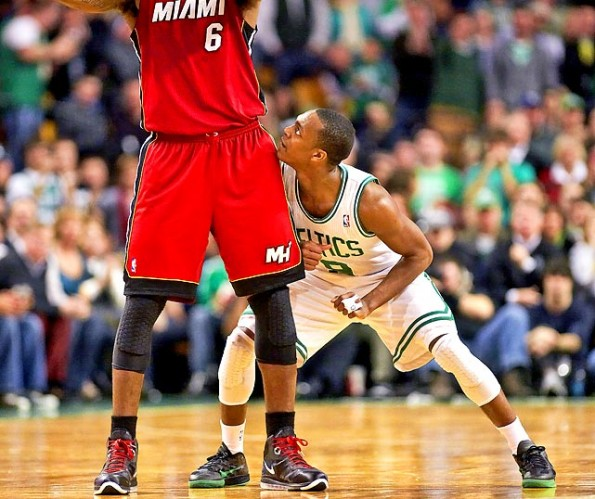 rajon rondo looking up