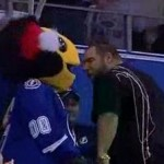 bruins fan vs lightning mascot