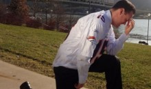 Pittsburgh Mayor Luke Ravenstahl Tebows After Losing Bet To Denver Mayor (Pic)