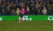 Everton Keeper Tim Howard Scores From His Own Net (Video)