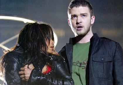 Janet-Jackson-Justin-Timberlake-Super-Bowl-wardrobe-malfunction-2004