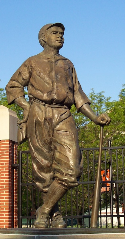 babe ruth statue baltimore