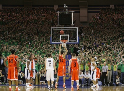 notre dame free throw distraction
