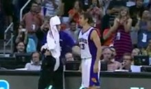Phoenix Suns Fans Show Their Love For Steve Nash (Video)