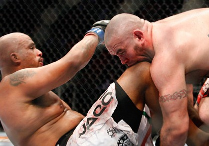tim hague biting joey beltran at ufc 113
