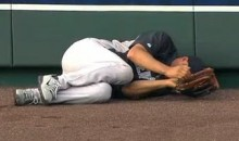 Mariano Rivera Tears ACL While Shagging Fly Balls (Video)