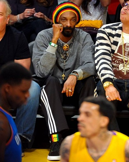 #9 snoop dog rasta at lakers playoff game