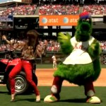 PAULA ABDUL DANCING WITH PHILLIE PHANATIC