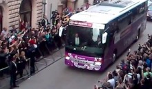 Ireland Fans Taunt England As Team Arrives In Krakow for Euro 2012 (Video)