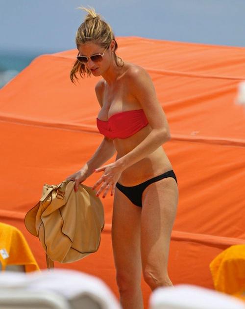 erin-andrews-bikini-miami-2