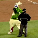 phillie phanatic dancing in drag