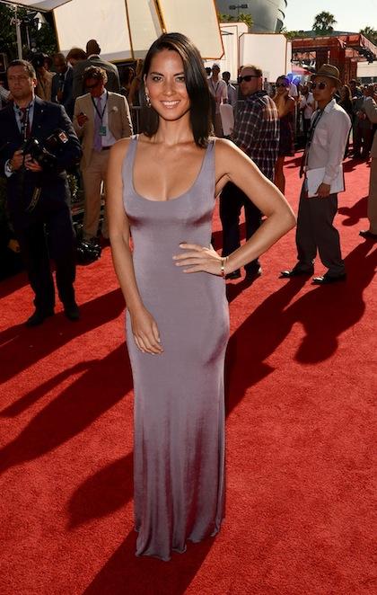 #5 Olivia Munn on red carpet at 2012 ESPY Awards