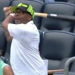 Spike Lee catched bat flung into stands at yankees game