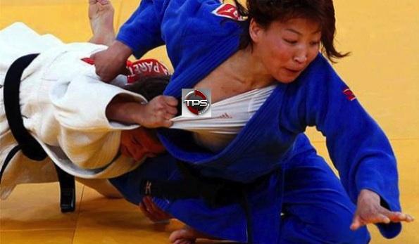 Urantsetseg Munkhbat nip slip olympics judo 2012 london wardrobe malfunction naked athlete