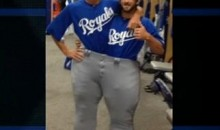 Royals Closer Jonathan Broxton Has Some Big Pants To Fill (Video)