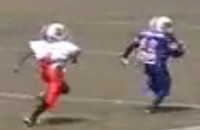 This 10-Year-Old Pee Wee Football Player Runs Circles Around the Competition (Video)